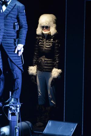 Показ Moncler Grenoble коллекции сезона Осень-зима 2014-2015 года Prêt-à-porter - www.elle.ru - Подиум - фото 576937