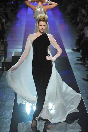 Показ Jean Paul Gaultier коллекции сезона Осень-зима 2009-2010 года Haute couture - www.elle.ru - Подиум - фото 87933