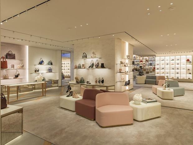 Новый бутик Dior на Елисейских полях (фото 5)