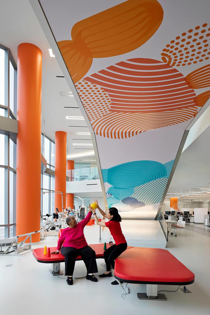 Яркая больница в Чикаго лечит дизайном (фото 10)