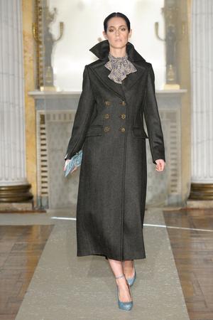 Показ Luisa Beccaria коллекции сезона Осень-зима 2011-2012 года Prêt-à-porter - www.elle.ru - Подиум - фото 243438