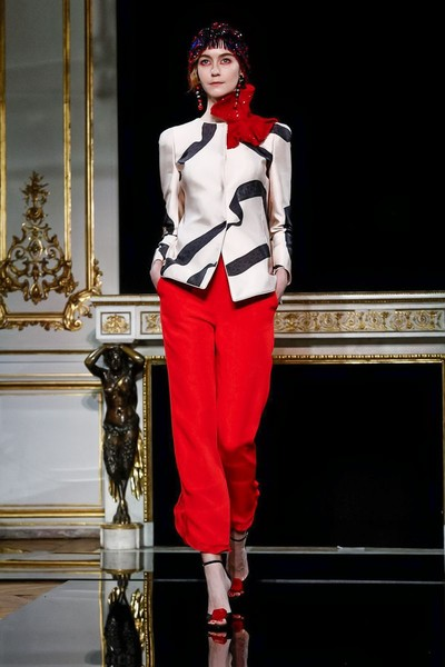 Буйство красок и идеальные жакеты в Giorgio Armani Privé Couture SS 2019 (галерея 1, фото 0)