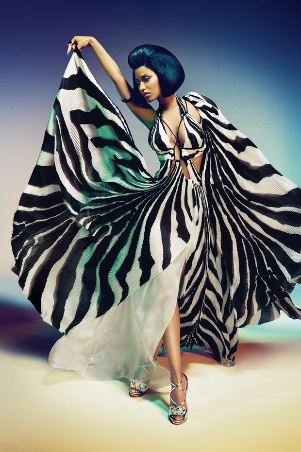 Полосатое платье в пол: фото