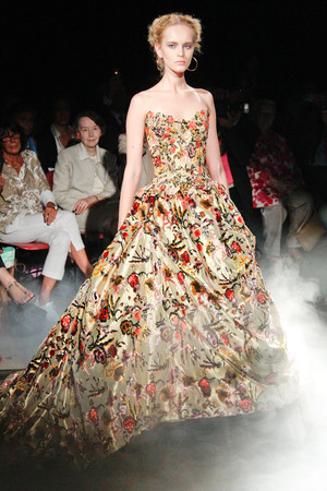 Показ Franc Sorbier коллекции сезона Осень-зима 2010-2011 года Haute couture - www.elle.ru - Подиум - фото 168064