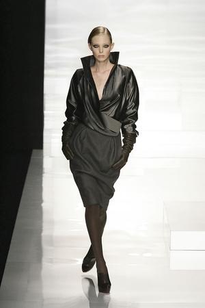 Показы мод Brioni Осень-зима 2009-2010 | Подиум на ELLE - Подиум - фото 3185