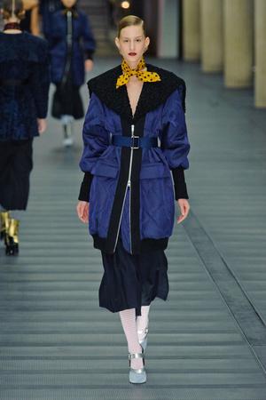 Показы мод Miu Miu Осень-зима 2013-2014 | Подиум на ELLE - Подиум - фото 579