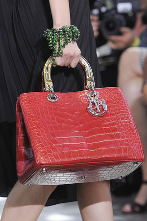 Показ Christian Dior коллекции сезона Весна-лето 2014 года prêt-à-porter - www.elle.ru - Подиум - фото 568410