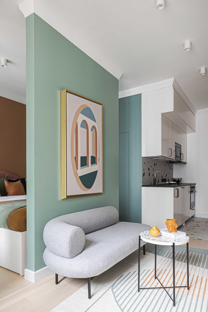 Маленькая квартира в стиле неомемфис 35 м² (фото 3)