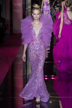 Показ Zuhair Murad коллекции сезона Весна-лето  2017 года haute couture - www.elle.ru - Подиум - фото 616732