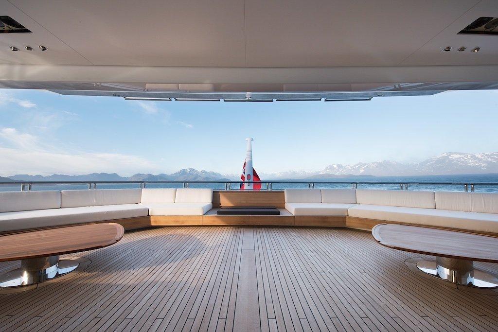 Морская прогулка: парусники и яхты от известных дизайнеров | галерея [7] фото [2]