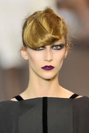 Показ Stephane Rolland коллекции сезона Осень-зима 2011-2012 года haute couture - www.elle.ru - Подиум - фото 278340