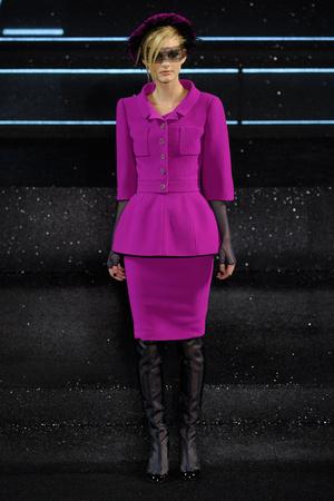 Показ  коллекции сезона Осень-зима 2011-2012 года Haute couture - www.elle.ru - Подиум - фото 278046