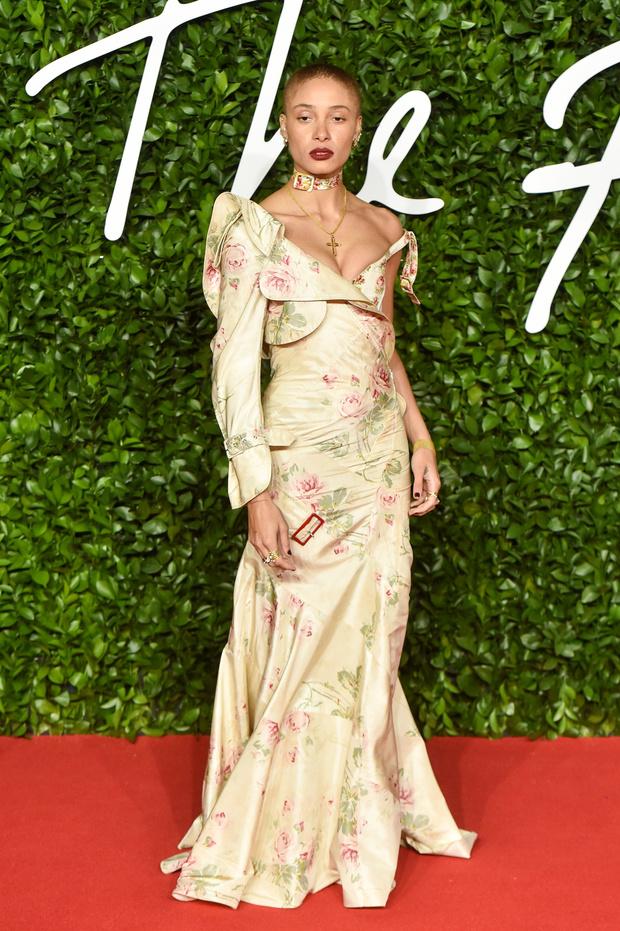 Сад цветов: все модели на премии British Fashion Awards (фото 9)