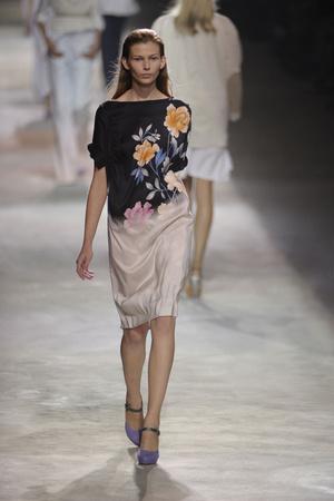 Показы мод Dries Van Noten Весна-лето 2011 | Подиум на ELLE - Подиум - фото 2521