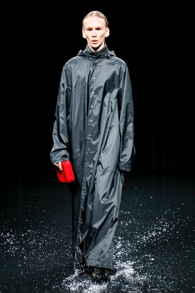 Подготовка к апокалипсису на показе Balenciaga FW 2020 (фото 4.2)
