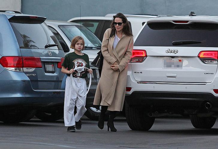 Новый выход Анджелины Джоли с дочерью (фото 1)