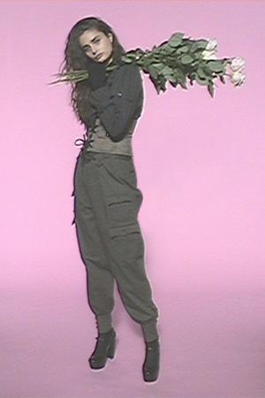 Карго и армейские ботинки: элементы военной формы в новых коллекциях (фото 1.2)