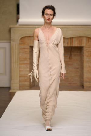 Показ Adeline Andre коллекции сезона Весна-лето 2011 года haute couture - www.elle.ru - Подиум - фото 216070