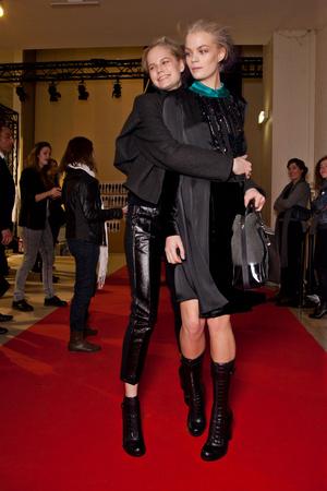 Показ Vanessa Bruno коллекции сезона Осень-зима 2012-2013 года prêt-à-porter - www.elle.ru - Подиум - фото 385240