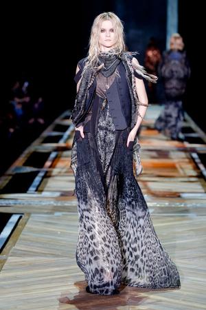Показы мод Roberto Cavalli Осень-зима 2011-2012 | Подиум на ELLE - Подиум - фото 2197