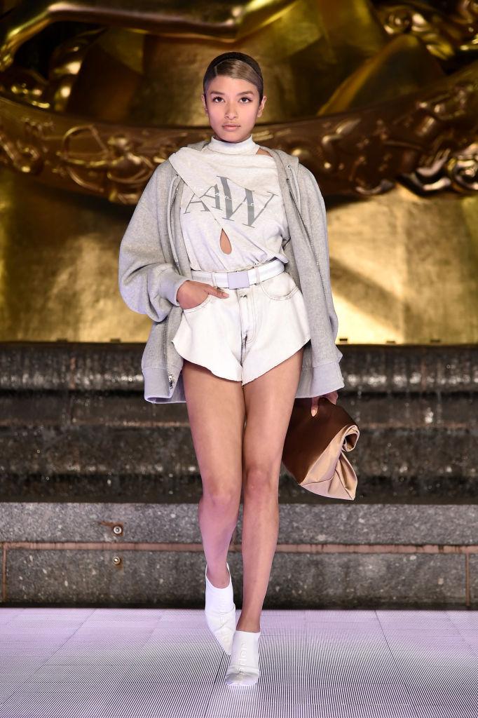 Юбки и шорты «от бедра» Alexander Wang, которые свели с ума всех моделей (фото 10)