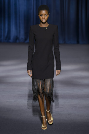 Показ Givenchy коллекции сезона осень-зима  2018-2019 года Prêt-à-porter - www.elle.ru - Подиум - фото 713341