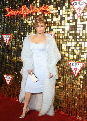Like a Diva: Дженнифер Лопес на вечеринке Guess в Нью-Йорке (фото 1)