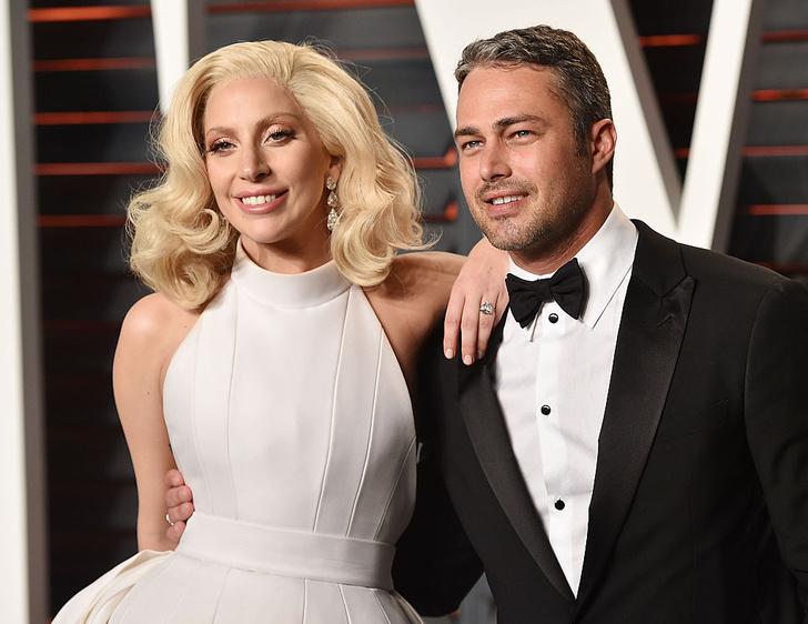 Леди Гага показала обручальное кольцо (фото 5)