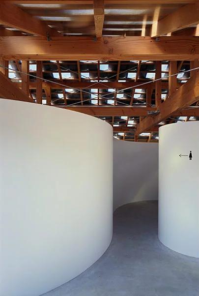 По-маленькому: дизайнерские общественные туалеты (галерея 27, фото 4)