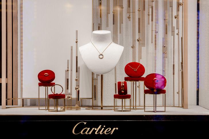 Рождественское оформление бутика Cartier на Петровке (фото 4)