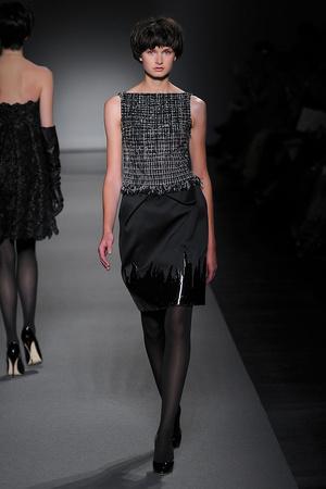 Показ Christophe Josse коллекции сезона Осень-зима 2011-2012 года Haute couture - www.elle.ru - Подиум - фото 276970