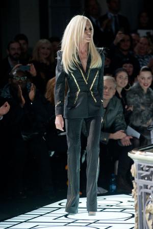 Показ Atelier Versace коллекции сезона Весна-лето 2013 года haute couture - www.elle.ru - Подиум - фото 476979