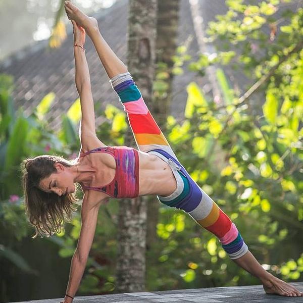 ВСТАЛА В ПОЗУ: 7 мотивирующих йога-аккаунтов | галерея [4] фото [7]