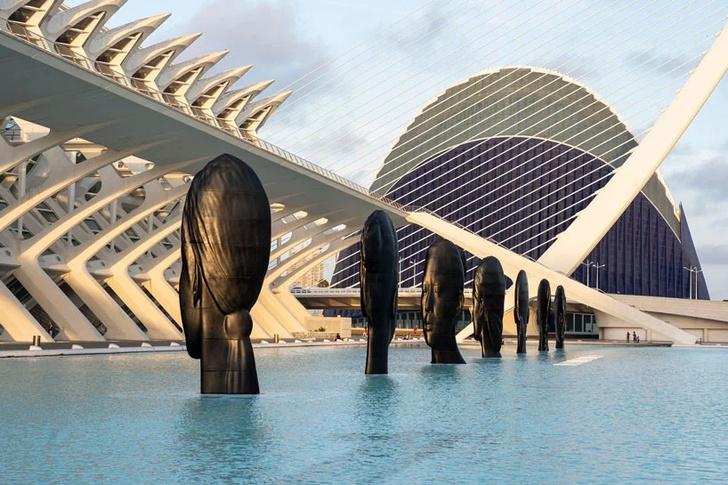 Инсталляция Жауме Пленсы в Валенсии (фото 1)