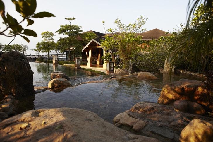 Бассейн отеля Parama Resort in Koh Chang