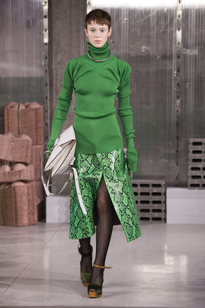 Показы мод Marni осень-зима  2018-2019 | Подиум на ELLE - Подиум - фото 6741