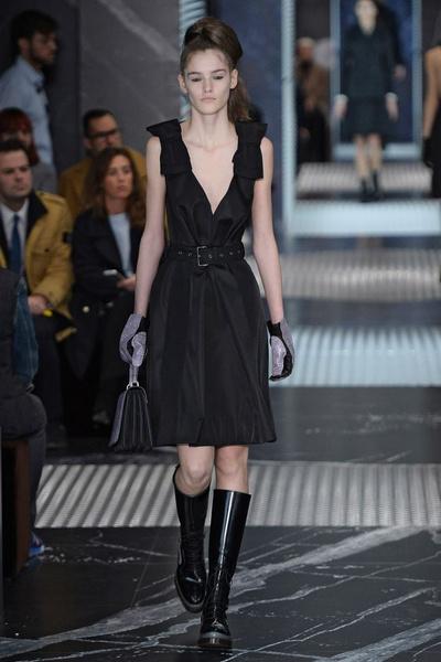 Бренд Prada представил на Неделе мужской моды в Милане сразу две коллекции | галерея [3] фото [15]