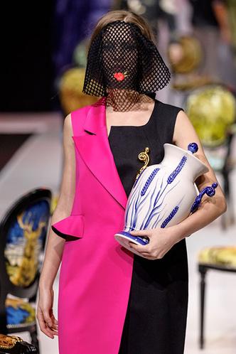 Посуда Гжельского фарфорового завода на Moscow Fashion Week (фото 2.1)