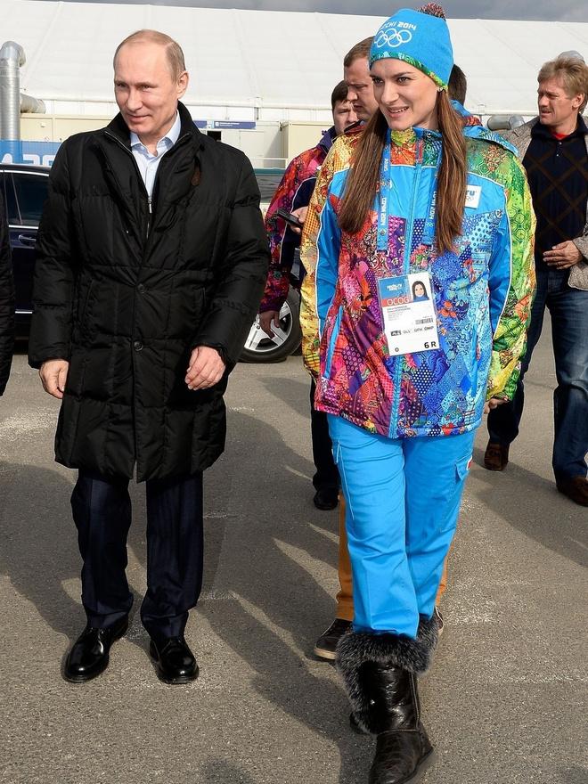 Владимиру Путину - 66 лет: стиль президента в лучших фотографиях (фото 10)