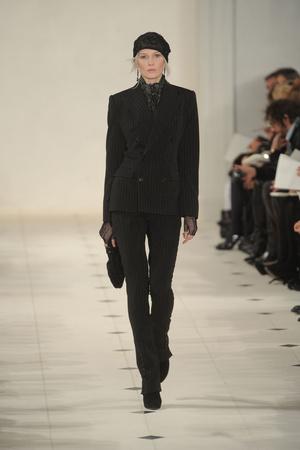 Показы мод Ralph Lauren Осень-зима 2010-2011 | Подиум на ELLE - Подиум - фото 2810