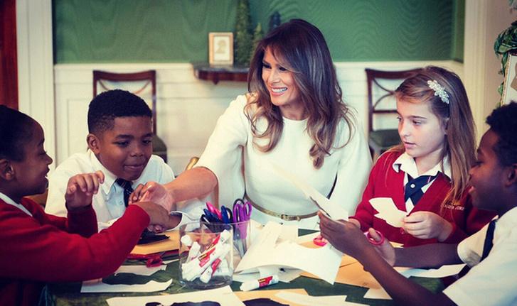 Мелания Трамп украсила Белый Дом к Рождеству фото [2]