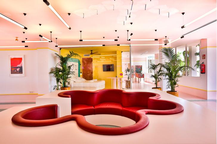 Американский модернизм и группа «Мемфис» в отеле на Ибице (фото 2)