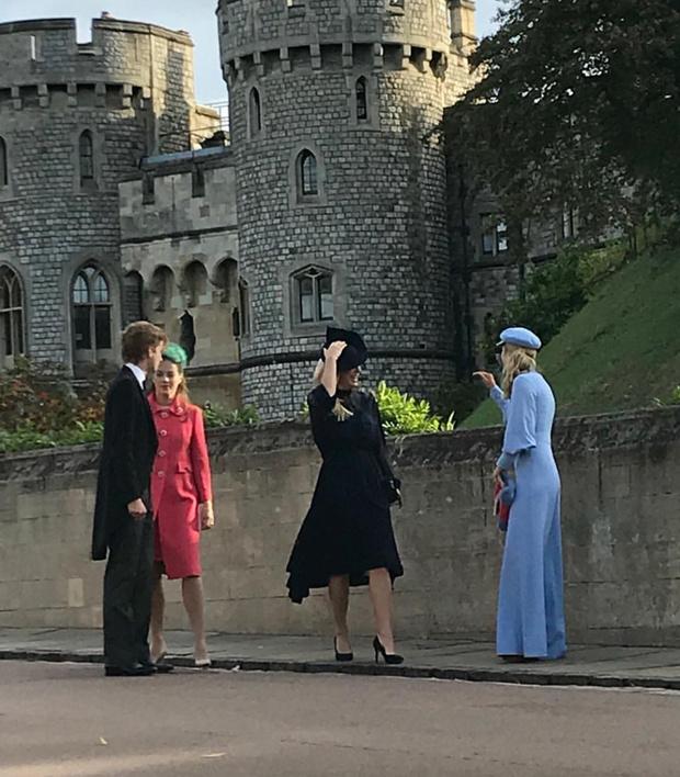 Свадьба принцессы Евгении: как ее увидели гости (фото 13)