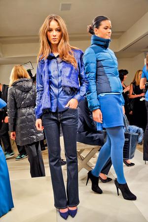 Показы мод Elie Tahari Осень-зима 2012-2013 | Подиум на ELLE - Подиум - фото 1623