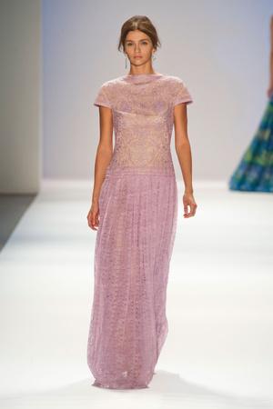 Показы мод Tadashi Shoji Весна-лето 2013 | Подиум на ELLE - Подиум - фото 1330