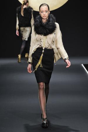 Показы мод Krizia Осень-зима 2012-2013 | Подиум на ELLE - Подиум - фото 1525