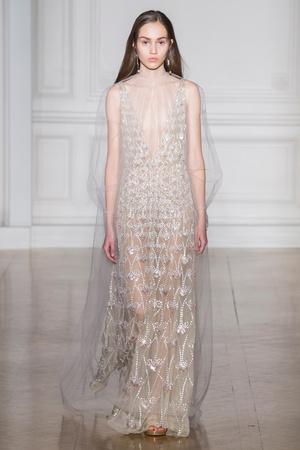 Показ Valentino коллекции сезона Весна-лето  2017 года Haute couture - www.elle.ru - Подиум - фото 616689