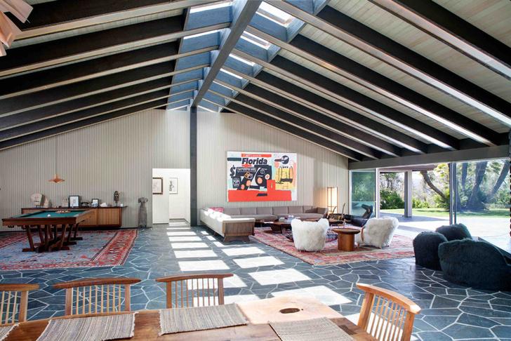 Фронтмен Maroon 5 Адам Левин продает два роскошных дома в Лос-Анжелесе фото [4]