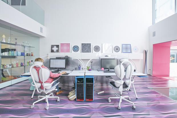 Офисная мебель по дизайну Карима Рашида (фото 2)