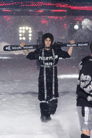 Показ Philipp Plein коллекции сезона осень-зима  2018-2019 года Prêt-à-porter - www.elle.ru - Подиум - фото 681881